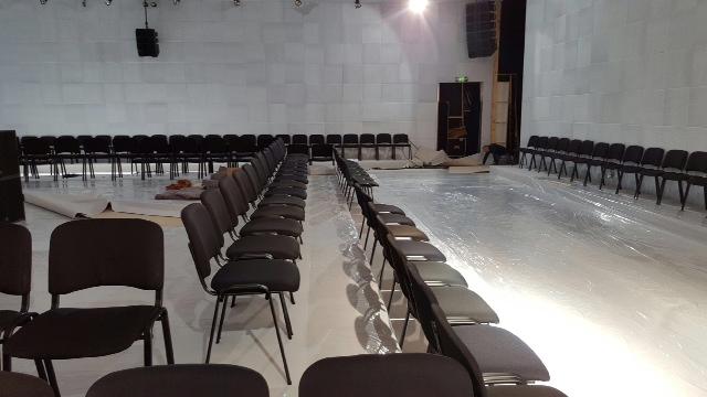 Chaise assise et dossier en tissu noir m1 structure for Buro rent garges les gonesse